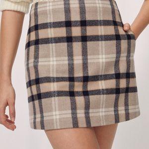 WILFRED Wool Plaid Mini Skirt - Size 00 (EUC)
